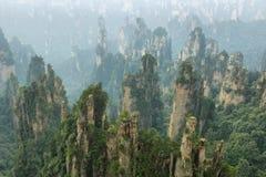 Piliers impressionnants de grès dans la région de Tianzi Photos stock
