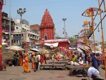 Piligrims hindúes en la calle en la India Fotos de archivo