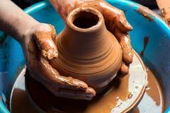 Pilla på arbete Potter& x27; s-hjul Fotografering för Bildbyråer