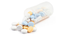 Pillen auf Weiß Lizenzfreies Stockfoto