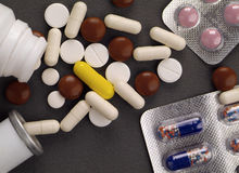 Pillen, Blase und Tablettenfläschchen Stockfoto