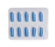 Pillen in den Blisterpackungen lokalisiert auf Weiß Stockfotos