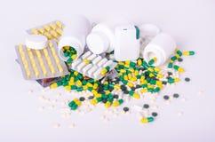 Pillen, diätetische Ergänzungen und Drogen, unterschiedliche Art Stockfoto