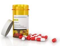 Pillen, die aus Pilleflasche heraus verschüttet werden Stockfoto