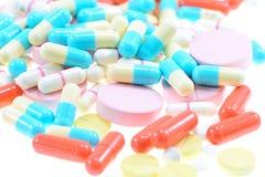 Pillen en capsules stock foto