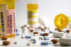 Pillen, Geneesmiddelen en Flessen Stock Foto