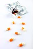 Pillen met Weg Stock Foto's