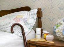 Pillen op een bedlijst Royalty-vrije Stock Afbeeldingen