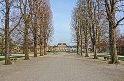 Pillnitz slottgränd Arkivbild
