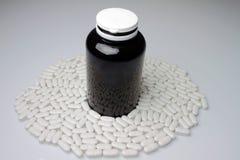 Pillole con la dose Fotografie Stock Libere da Diritti