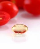 Pillole dell'olio della medicina di erbe Fotografie Stock Libere da Diritti