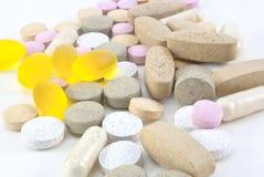 Pillole di supplemento della vitamina Fotografie Stock Libere da Diritti