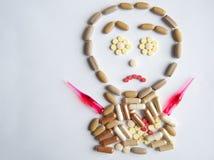 Pillole differenti sulla tavola Fotografie Stock