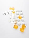 Pillole e capsule Immagini Stock Libere da Diritti