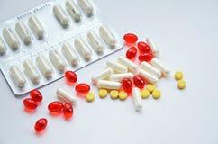 Pillole e capsule Fotografie Stock Libere da Diritti