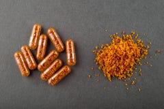 Pillole fecali del trapianto (rappresentazione artistica) Immagine Stock