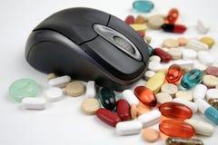 Pillole in linea Immagini Stock Libere da Diritti