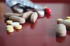 Pillole mediche differenti Immagini Stock Libere da Diritti