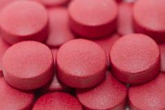 Pillole rosse di prescrizione Fotografie Stock