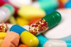 Pillole variopinte Immagine Stock Libera da Diritti