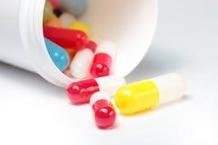 Pillole variopinte Immagine Stock