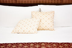 Pillows in Hotel bedroom Royalty Free Stock Photos