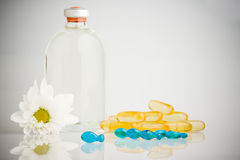 Pills and bottle Royalty Free Stock Images