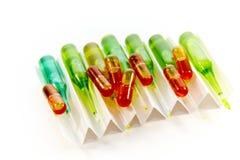 Ampuls och pills Royaltyfri Bild