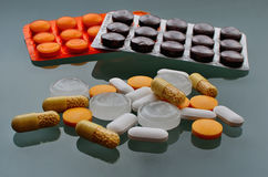 Pills and vitamins Stock Photography
