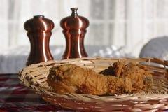 Pilon de poulet frit Photos stock