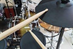 Pilon sur le battement électronique de tambour Photographie stock