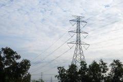 Pilone ad alta tensione di elettricità Immagine Stock