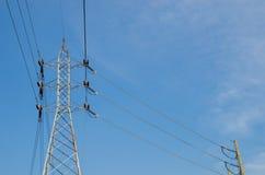 Pilone ad alta tensione di elettricità Immagini Stock