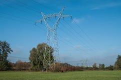 Pilone ad alta tensione di elettricità Immagini Stock Libere da Diritti
