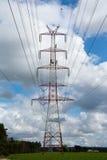 Pilone della linea di trasmissione ad alta tensione Fotografie Stock