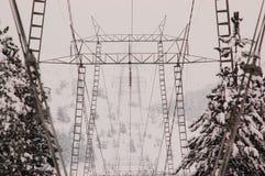Pilone di elettricità protetto dall'inverno Immagini Stock Libere da Diritti