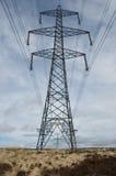 Pilone a distanza di elettricità Fotografia Stock