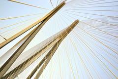 Pilones del puente de la conexión del mar de BandraâWorli Fotos de archivo