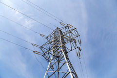 Pilones y línea de la electricidad Foto de archivo libre de regalías