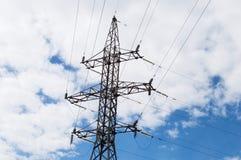 Piloni ad alta tensione di elettricità di potere Fotografia Stock Libera da Diritti