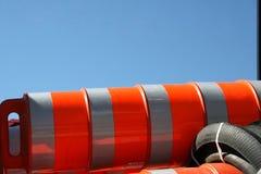 Pilony wypiętrzający wysoko na ciężarówce Obrazy Royalty Free