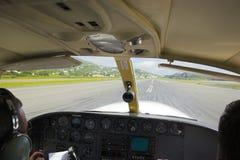 Pilot im Flugzeug Stockfoto