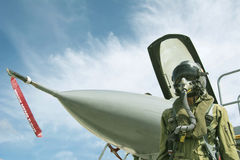 Pilot mit Klage und Militärluft Stockfotos