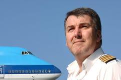 Pilot u. Verkehrsflugzeug 747 Lizenzfreie Stockfotos