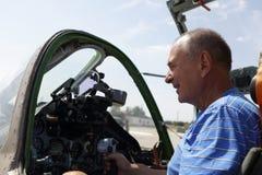 Pilota nella cabina di pilotaggio del combattente Immagine Stock Libera da Diritti