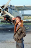 Pilota prima dell'aeroplano Immagini Stock Libere da Diritti
