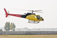 Pilotage d'Aérospatiale AS-350B3e Ecureuil Images stock