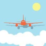 Pilotare un aeroplano sopra le nuvole un giorno soleggiato Immagini Stock