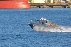 Pilote Boat dans le port de Vancouver Photos libres de droits