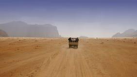 Piloter par le désert Images libres de droits